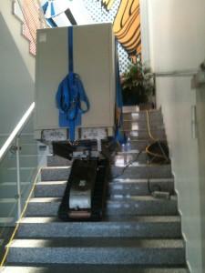 Tresor Transport über Treppe